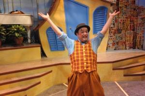 Michael Glenn as Scapin